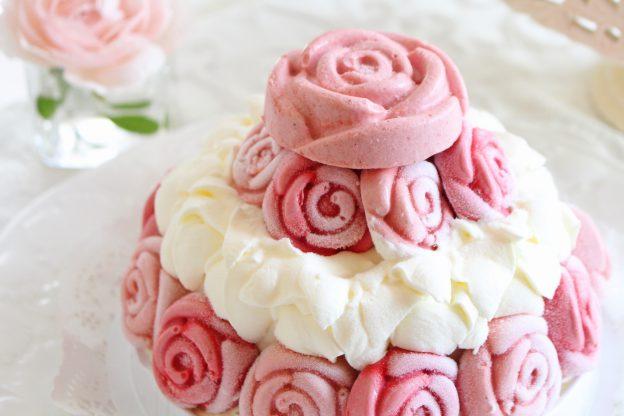 冷凍生ケーキ「ローズガーデン」と「ホワイトローズ」